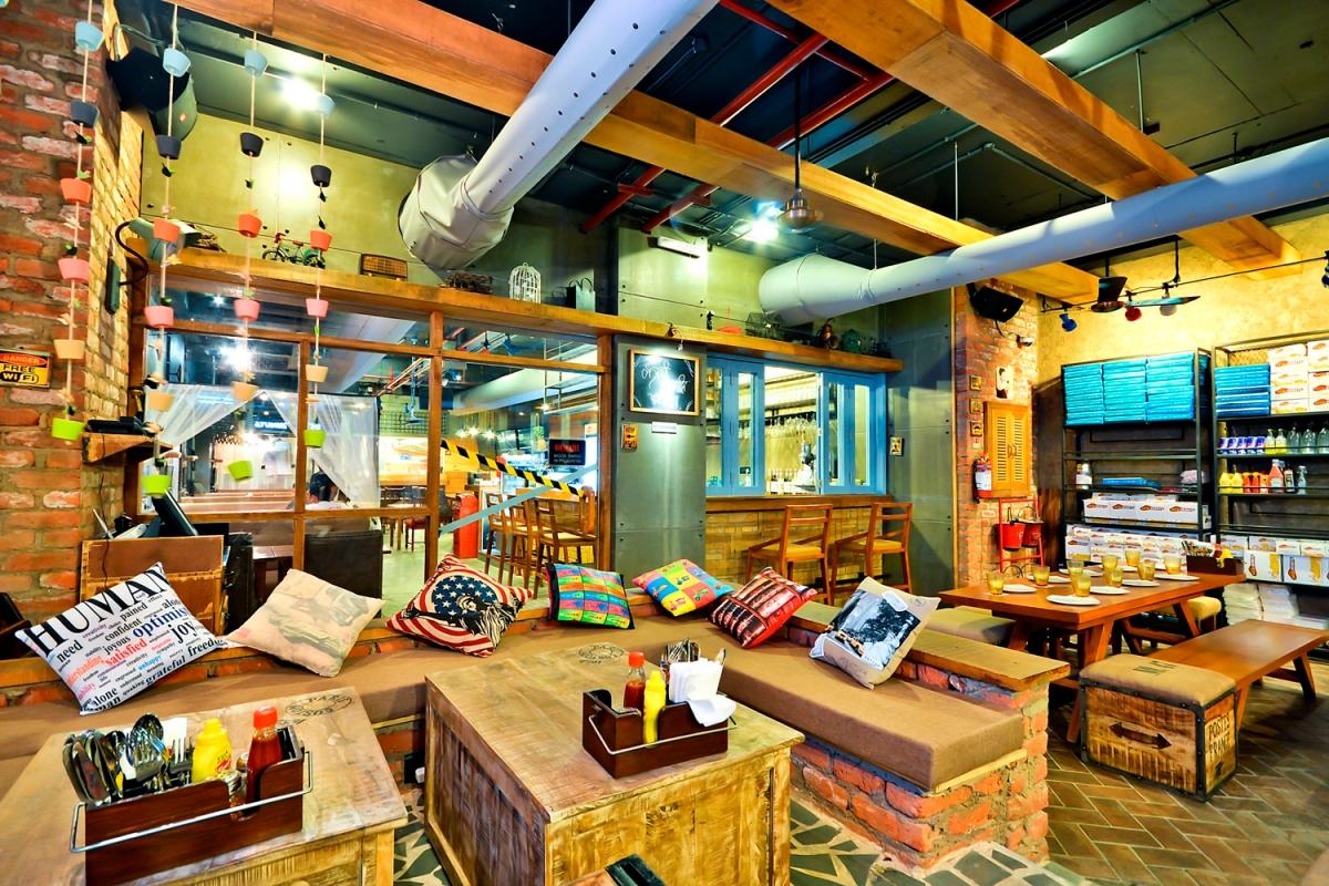 Gurgaon food review caf delhi heights cyber hub for Decor international delhi